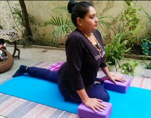Yoga bandhas with pigeon pose