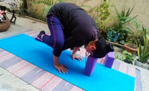 Crow pose with yoga bandhas