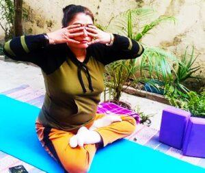 Bhramari Pranayam to increase focus