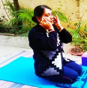 Relaxing eyes massage face yoga