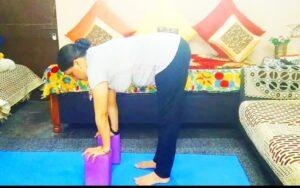 Ardha-uttanasana: Yoga sequence for strong legs and knees #yoga_for_legs_pain, #yoga_for_kneespain